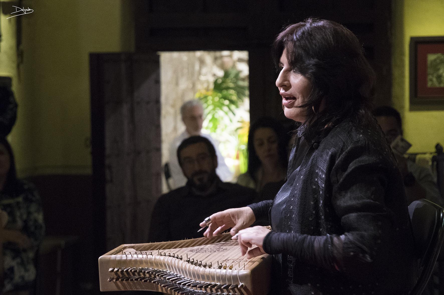 Begoña Olavide en la Sinagoga del Agua