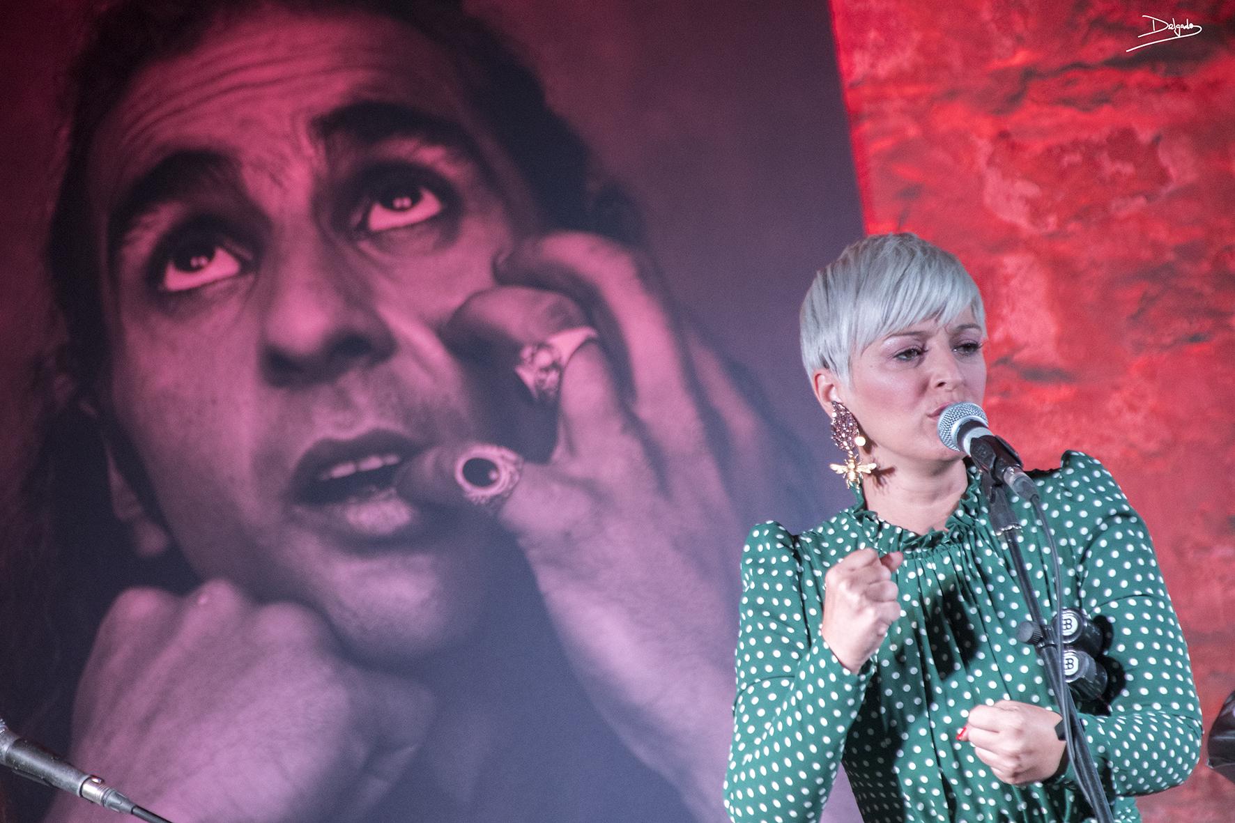 Mara Barros y la luz sobre el escenario