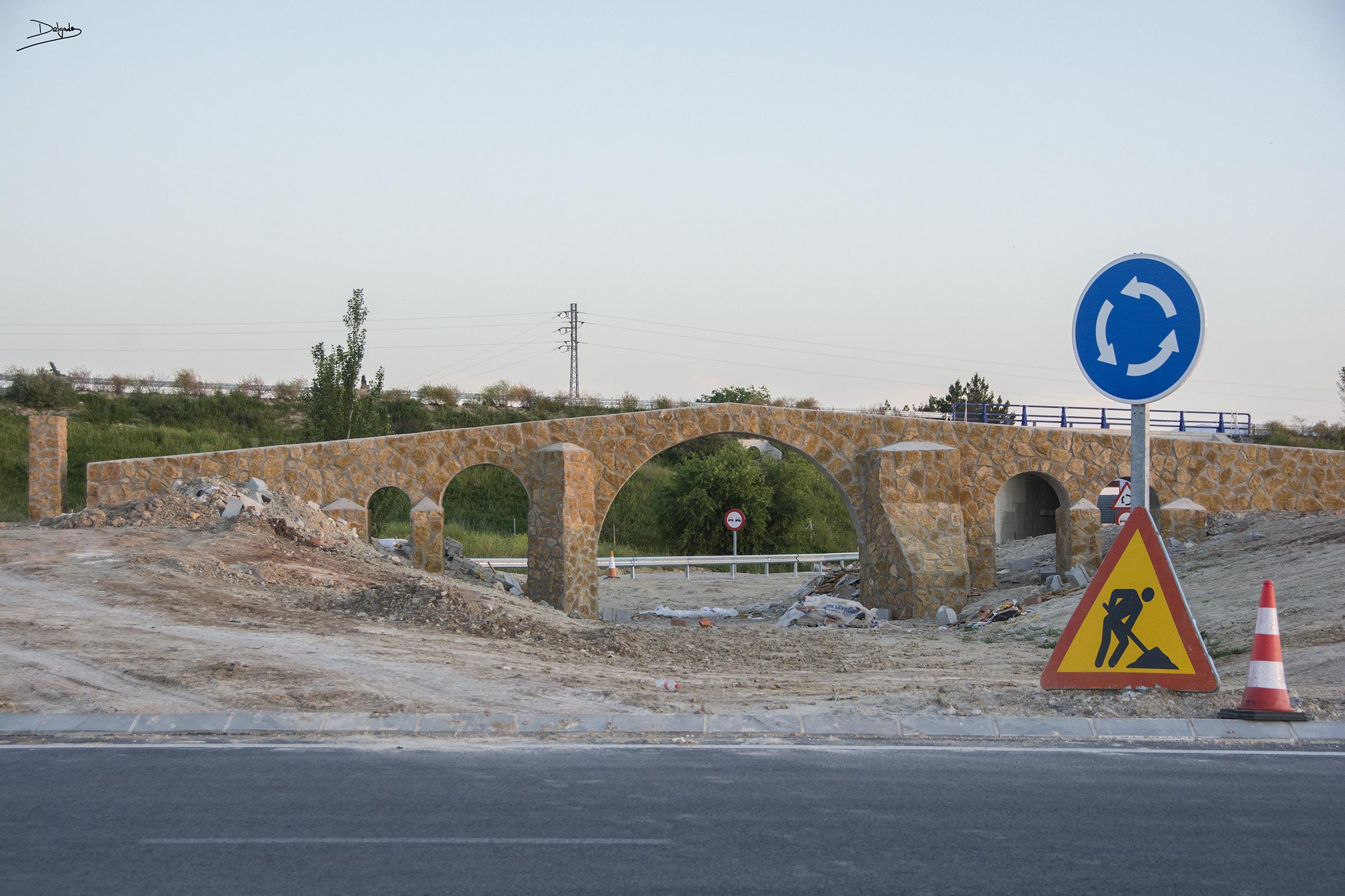 Foto del día: El Puente Ariza llega a la ciudad