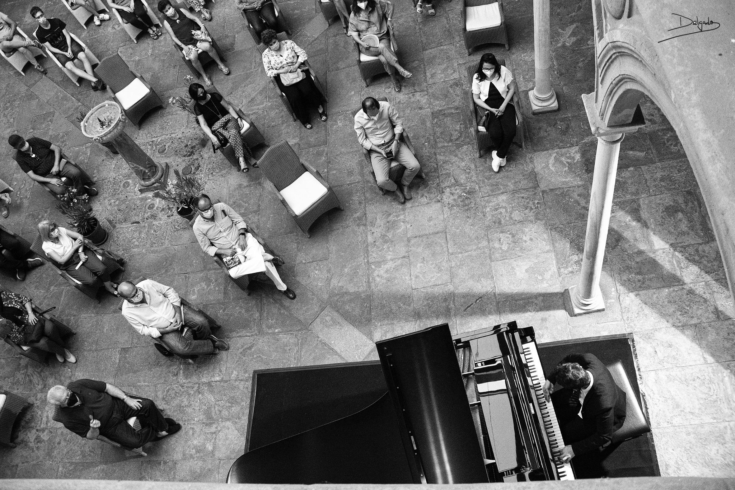 Crónica de un viernes completito: concierto, cuentos y homenaje a la comunidad educativa